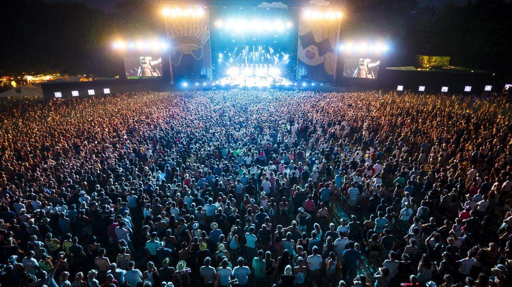 Foto: Asistentes a un concierto en un festival veraniego