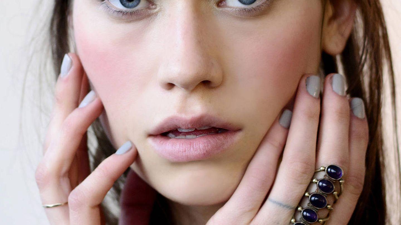 Algunos ácidos pueden irritar y sensibilizar la piel. (Imaxtree)
