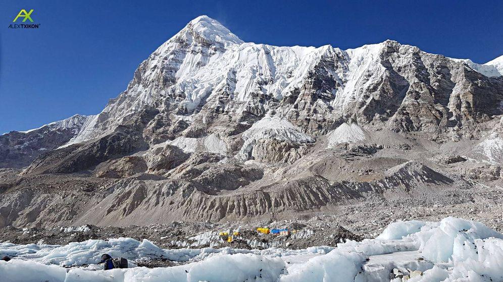 Foto: Campo base de la expedición de Txikon bajo el Pumori.