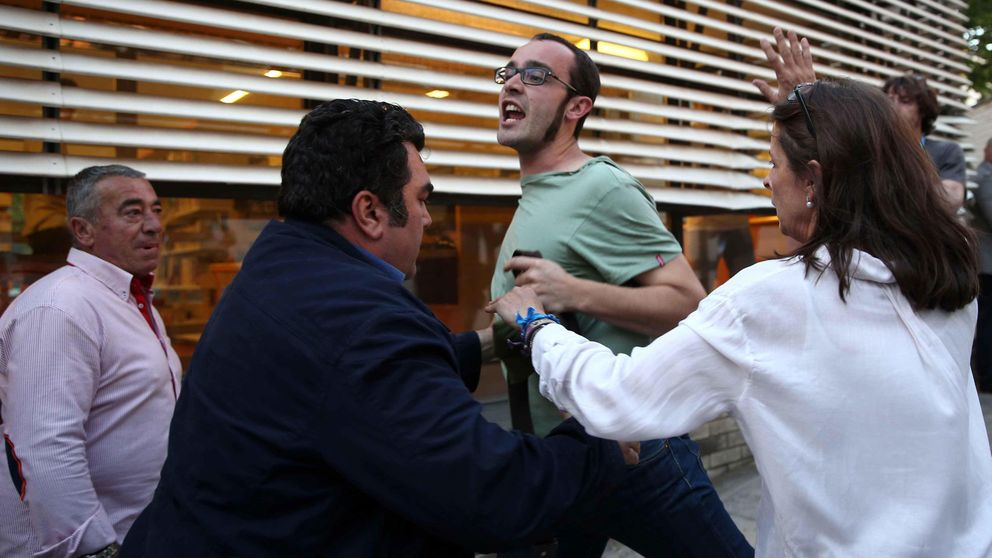 Miembros de la PAH tratan de boicotear un acto de Rajoy en Barcelona