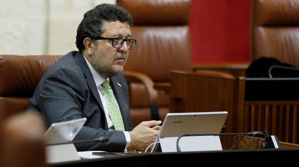 Foto: Francisco Serrano, en el Parlamento andaluz, en una imagen de archivo. (EFE)