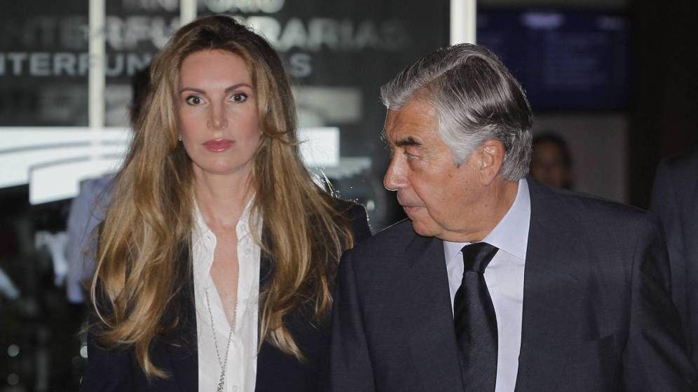 Foto: Alberto Alcocer y su mujer, en una imagen de archivo. (Cordon Press)