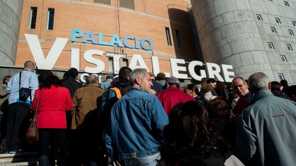 Foto: Público asistente a la primera Asamblea Ciudadana de Podemos en el Palacio de Vistalegre. (Daniel Muñoz)