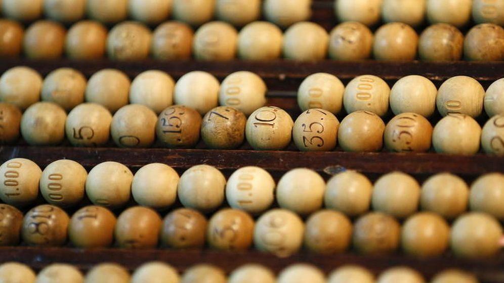 Foto: Bolas, liras, tablas... son algunos de los términos que debes conocer para seguir la Lotería de Navidad. (EFE)