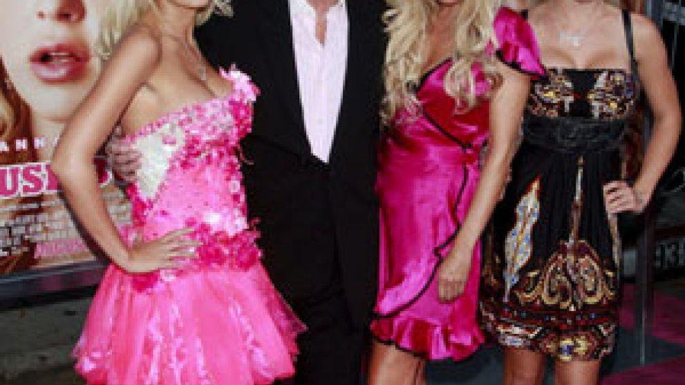 El dueño de 'Playboy' rompe con una de sus tres novias oficiales