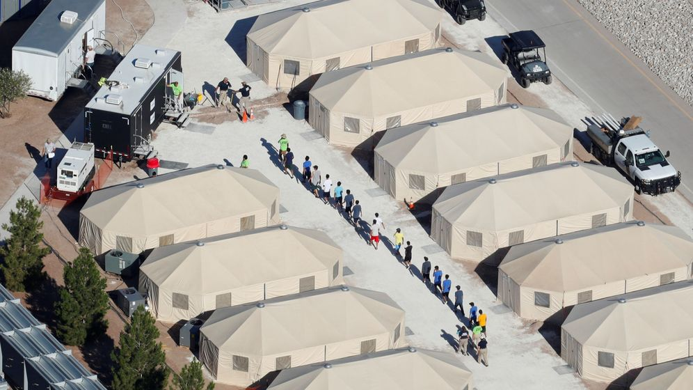 Foto: Imagen aérea del campo de acogida que la Administración Trump ha montado en Texas para los niños no acompañados. (Reuters)