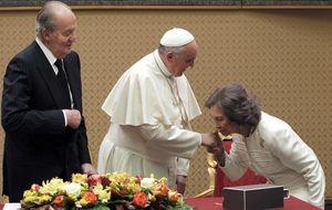 El Papa y los Reyes conversan del paro juvenil casi durante una hora