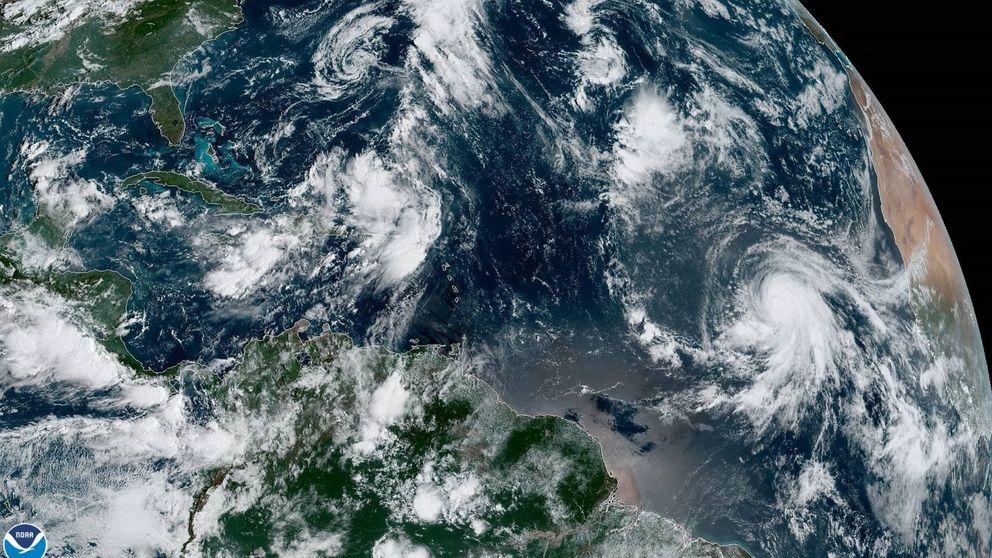 El histórico huracán Lorenzo bordeará España: así va a evolucionar el tiempo