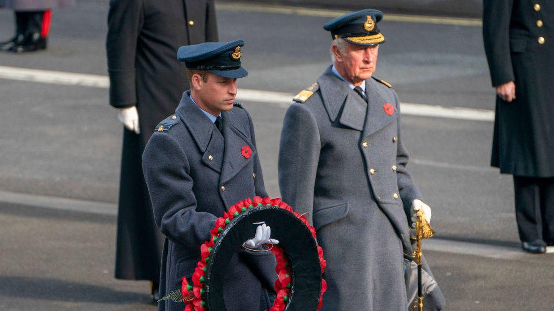 El príncipe Carlos y el príncipe Guillermo en una imagen de archivo. (Getty)