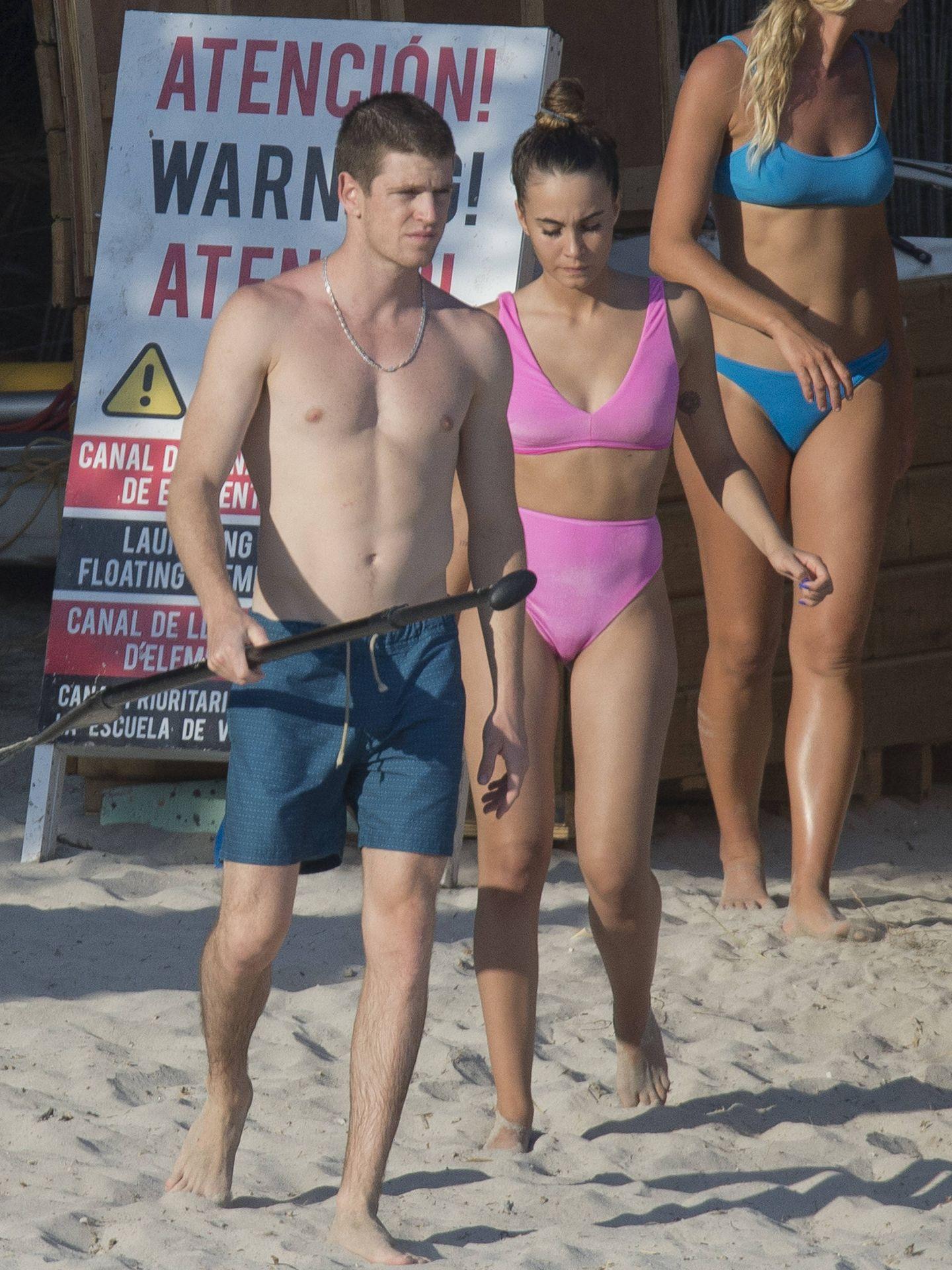 Aitana y Miguel Bernardeau en Ibiza. (Lagencia Grosby)