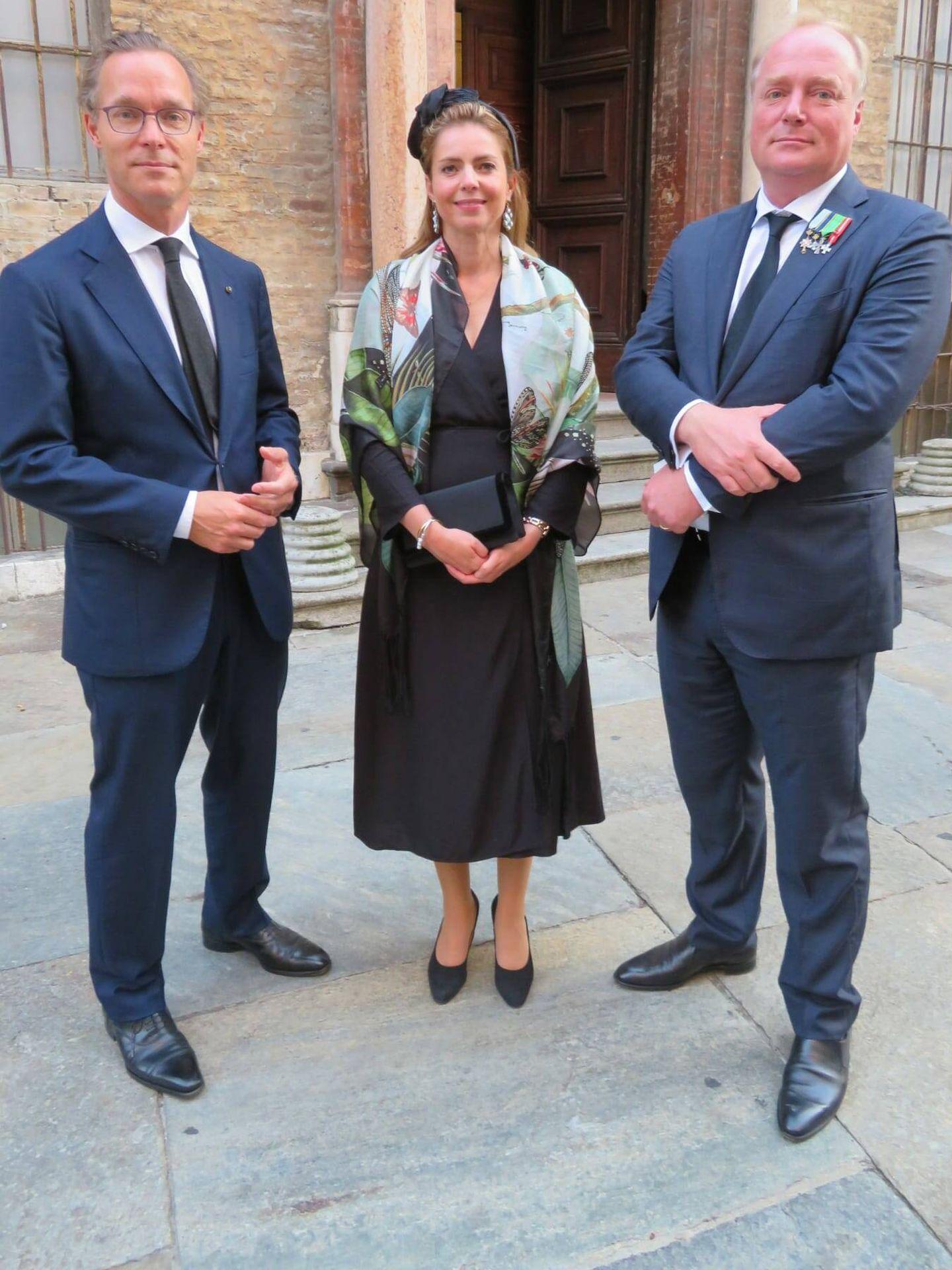 De izquierda a derecha: Don Jaime de Borbón Parma, Doña Ana María de Borbón Parma y Don Carlos Javier de Borbón Parma, Jefe de la Casa Real y Titular Dinástico del Carlismo. (Foto cortesía)