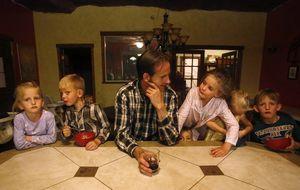 Viaje al corazón de la poligamia: Tengo 19 hijos y tres esposas