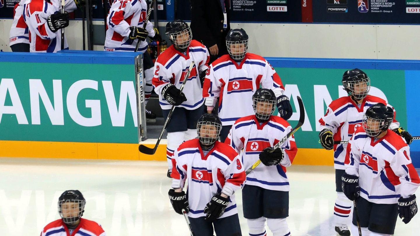 El equipo norcoreano de hockey. (EFE)