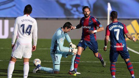 El Real Madrid, atrapado en su mediocridad, se despide de una Liga con color rojiblanco