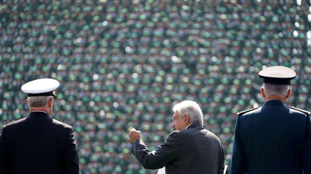 Foto: Andrés Manuel López Obrador se dirige al ejército mexicano durante un acto militar en Ciudad de México, el 25 de noviembre de 2018. (Reuters)