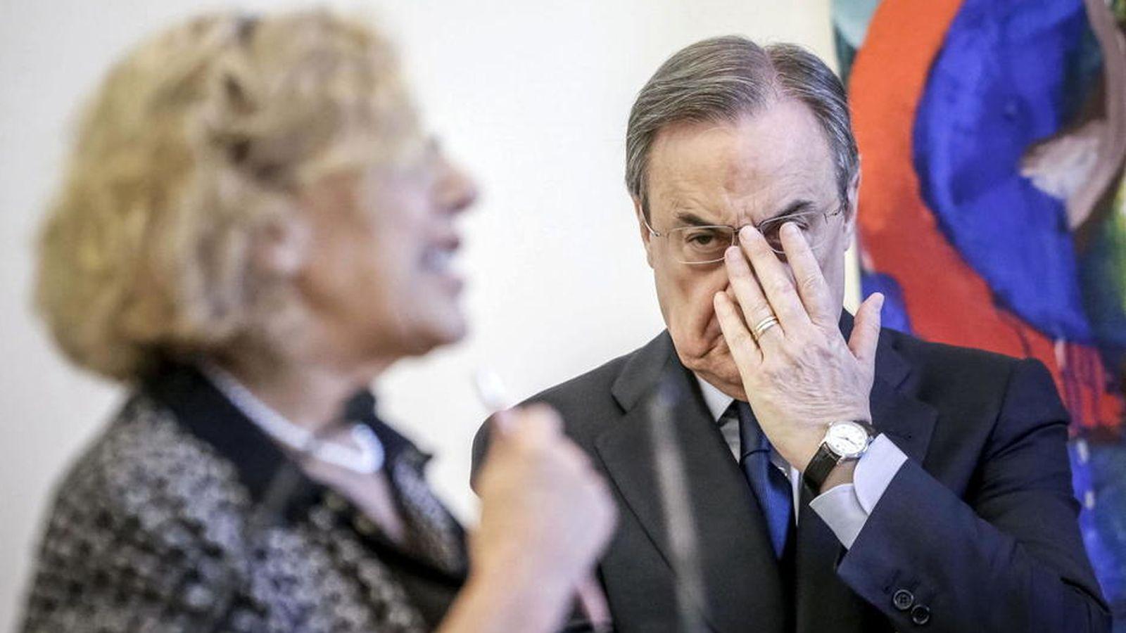 Foto: Manuela Carmena, junto al presidente del Real Madrid, Florentino Pérez. (EFE)