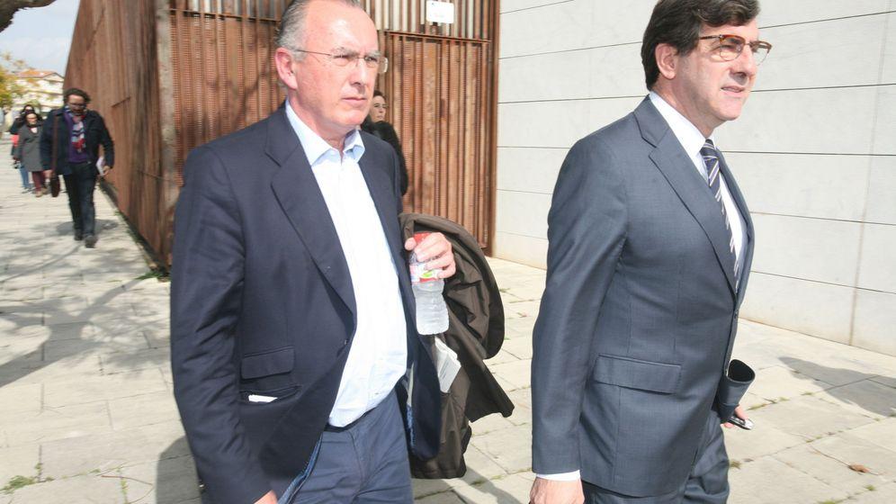Foto: El delegado en Cataluña de la constructora Oproler, Josep Manel Bassols (i). (EFE)