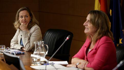 Calviño advierte a Bruselas de que los precios de la luz ponen en peligro la recuperación