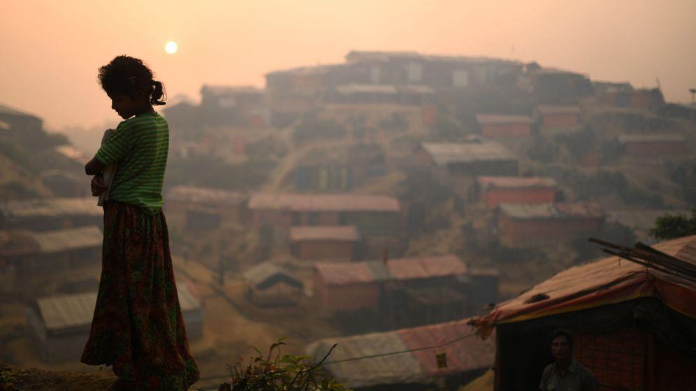 Foto: Una niña rohingyá en un campo de refugiados en Bangladesh   Reuters