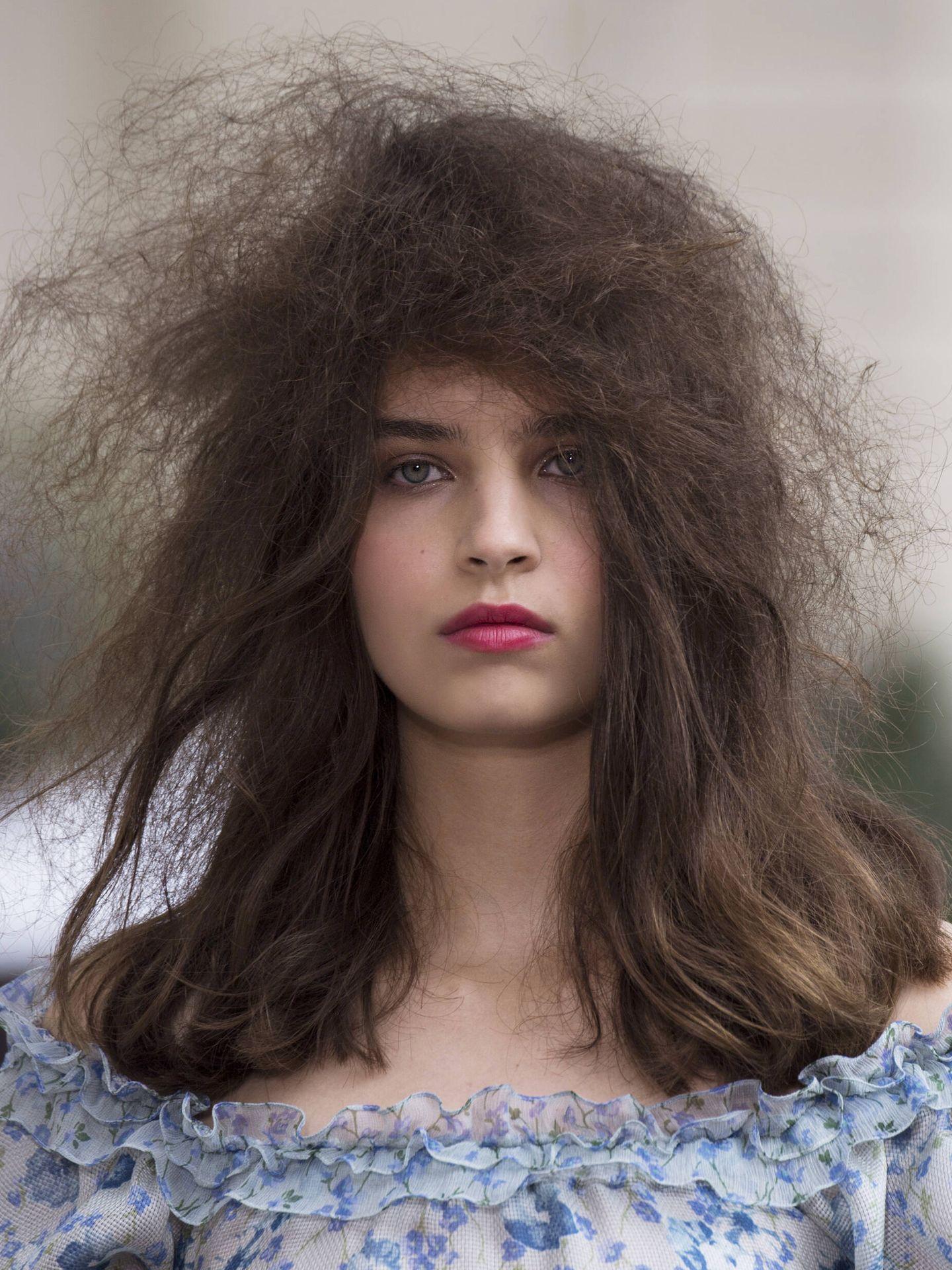 Además de alisar el cabello, la lactoplastia reduce el encrespamiento. (Imaxtree)