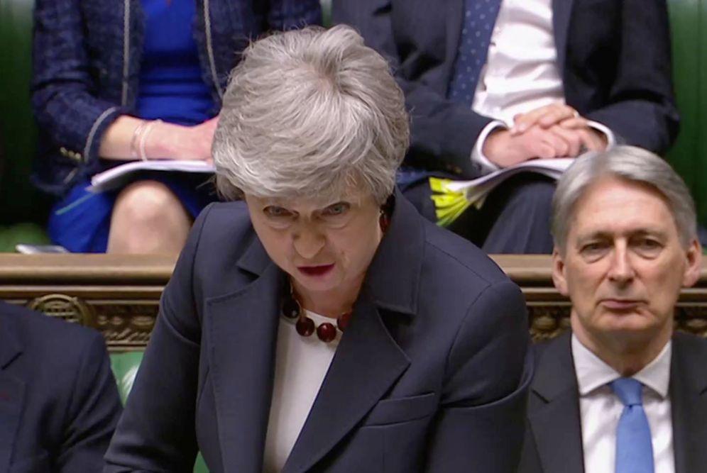 Foto: La primera ministra británica responde a preguntas en la Cámara de los Comunes. (Reuters)