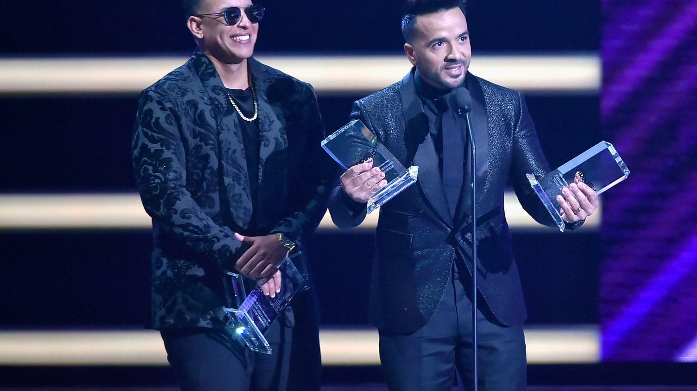 Daddy Yankee y Luis Fonsi, en los Billboard Latin Music Awards 2018. (Getty)