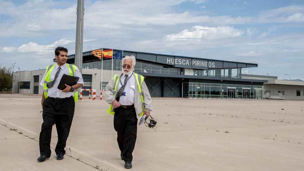 Los hijos de la nobleza árabe abren alas en el aeropuerto fantasma de Huesca