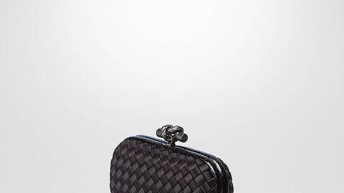 El clutch de 1.400 euros de Letizia que no falta en el armario de ninguna royal