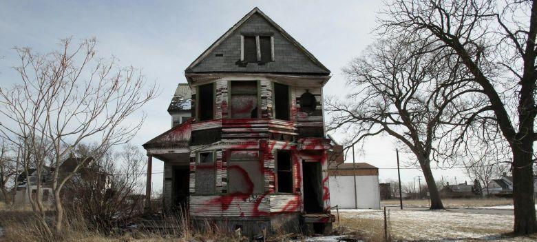 Edificio abandonado en un barrio residencial de la ciudad de Detroit. (Reuters)