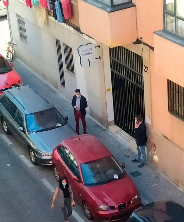 Foto: La escolta del vicepresidente del Gobierno, desplegada en Vallecas (EC)