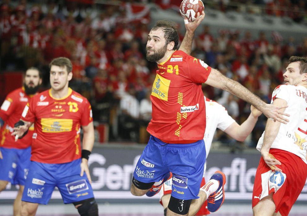 Foto: Cañellas fue elegido mejor jugador del partido (EFE)