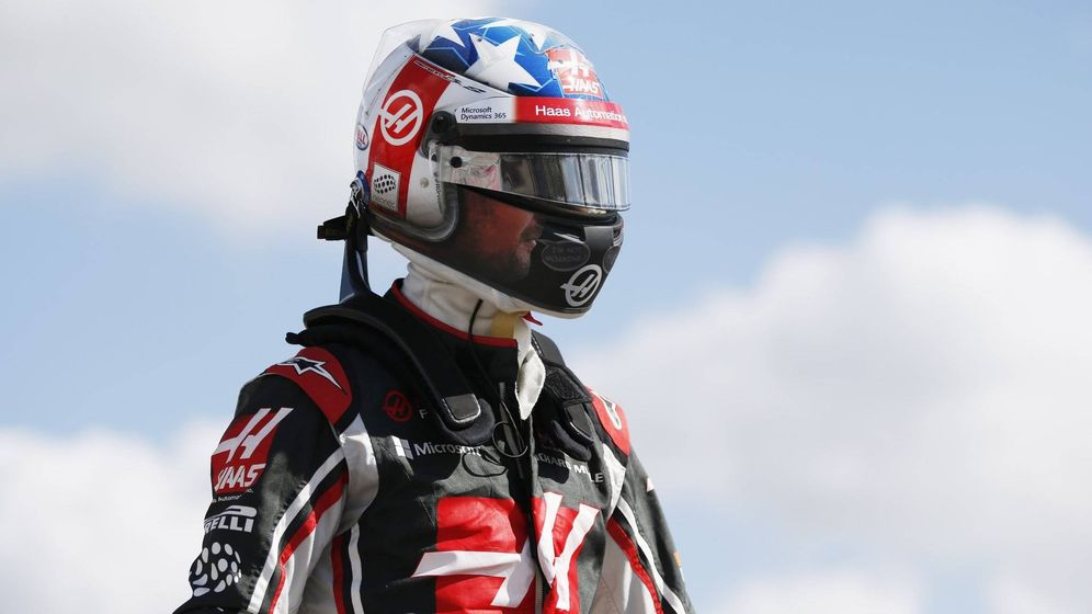 Foto: Romain Grosjean lució un casco especial con el mensaje No me estoy quejando escrito en él. (Twitter Romain Grosjean)