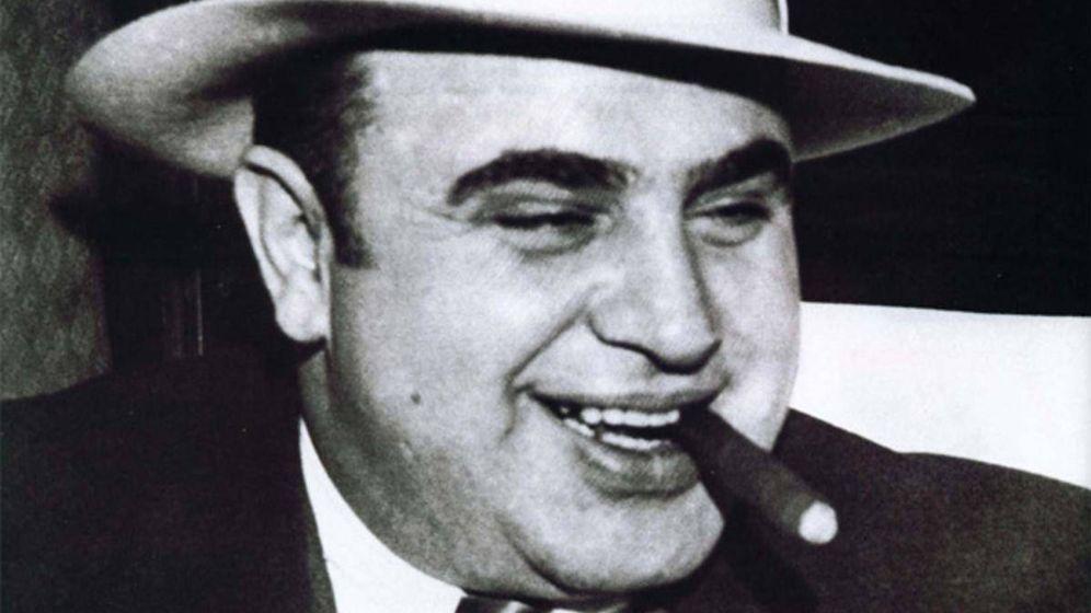 Foto: El célebre mafioso nos muestra el camino.