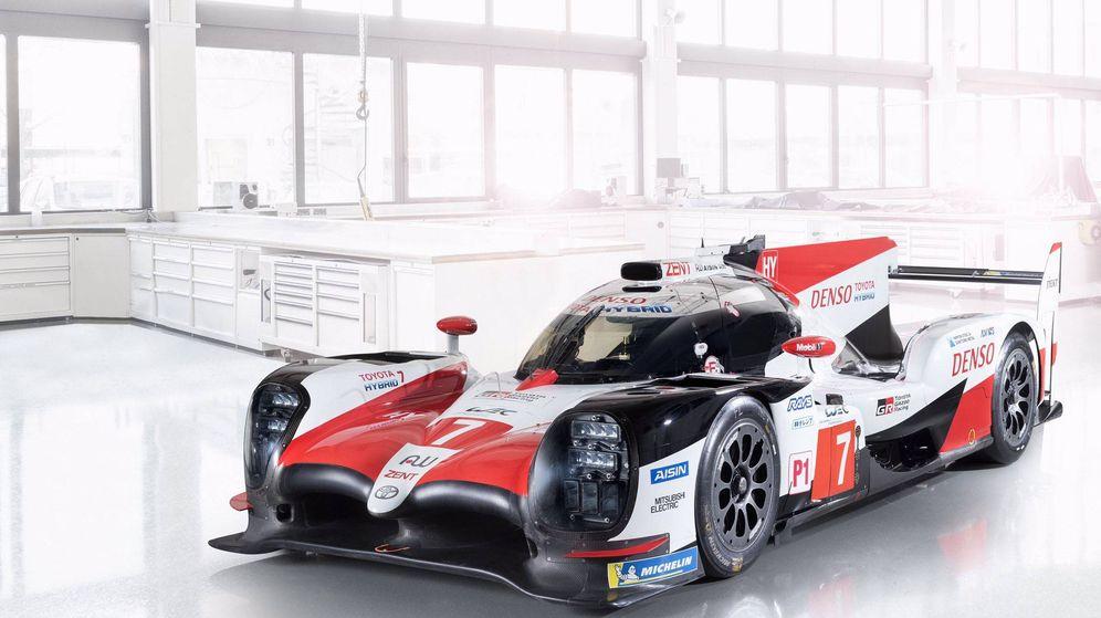 Foto: Un coche como este, pero con el número 8, es el que conducirá Fernando Alonso en el WEC. (Toyota Gazoo Racing)
