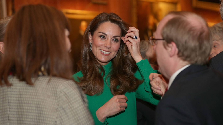 La duquesa de Cambridge, este martes en Buckingham. (Cordon Press)