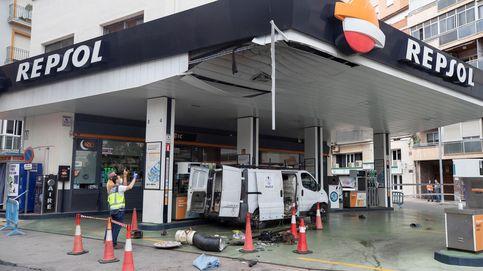 Cinco heridos, uno de ellos en estado crítico, por una explosión en una gasolinera de Cartagena