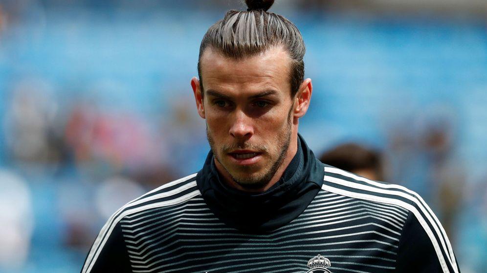Foto: Gareth Bale, durante el calentamiento en un partido del Bernabéu. (EFE)