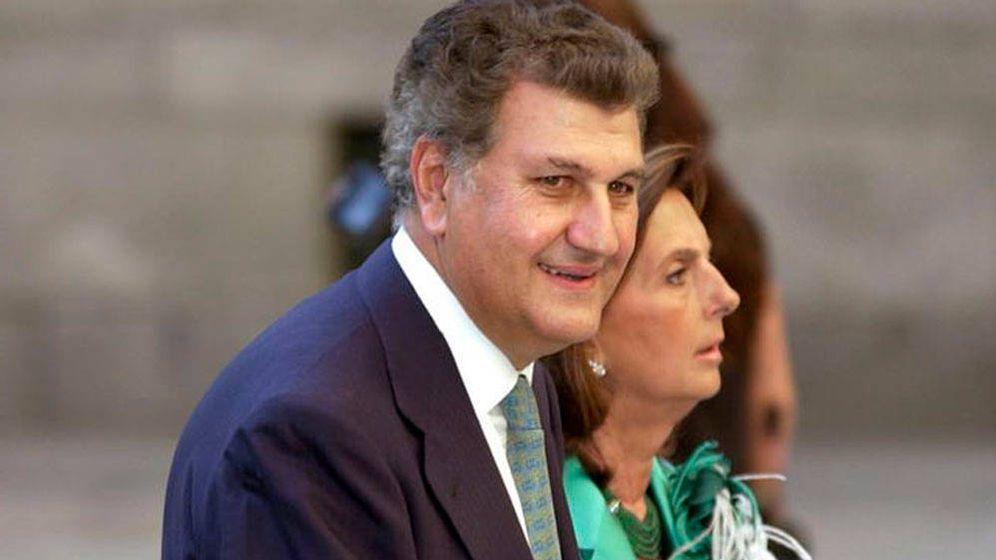 Foto: Jesús Posada y su esposa, Blanca de la Mata, en la boda de la hija de Aznar en El Escorial. (EFE)