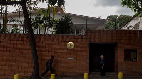 Atacan con cócteles molotov la embajada de España en Venezuela