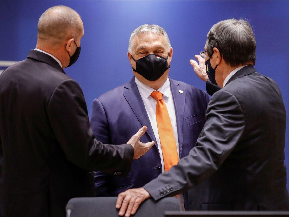Foto: El primer ministro húngaro Viktor Orbán junto al presidente de Bulgaria y el presidente chipriota. (Reuters)