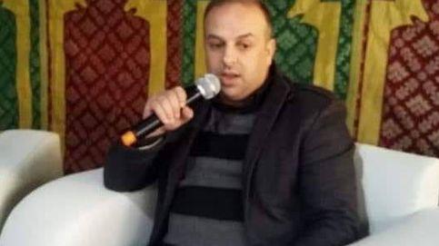 Un poeta muere electrocutado al coger un micrófono en la Feria del Libro de Tetuán