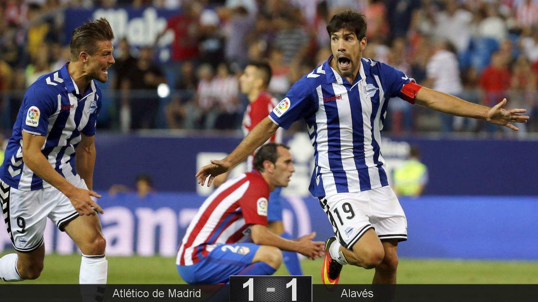 Foto: Manu García, después de anotar en su debut en Primera. (Mariscal/EFE)