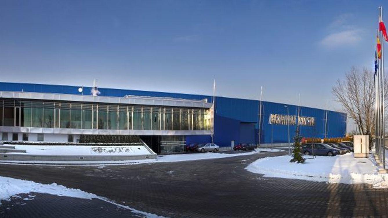 Acerinox no convence a UBS y se convierte en el peor valor de un Ibex 35 casi plano