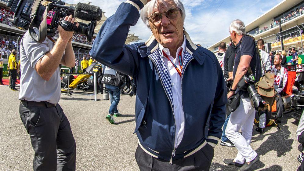Foto: Bernie Ecclestone durante un gran premio del año pasado. (EFE)