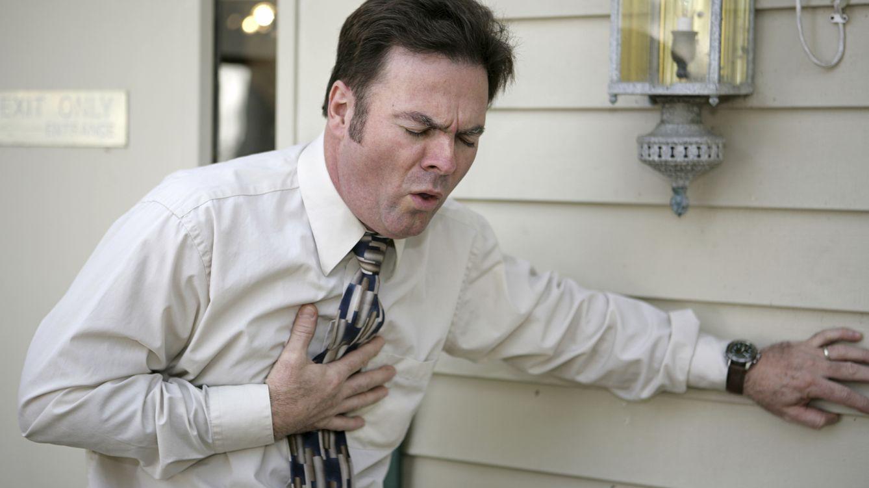 Foto: Las probabilidades de sufrir un infarto pueden reducirse notablemente con hábitos saludables. (iStock)
