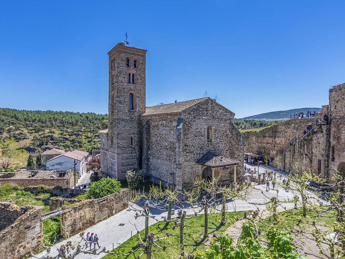 Foto: Iglesia de Santa María del castillo en el pueblo de Buitrago de Lozoya (Fuente: iStock)