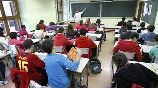 Educación pública es educación en manos de políticos