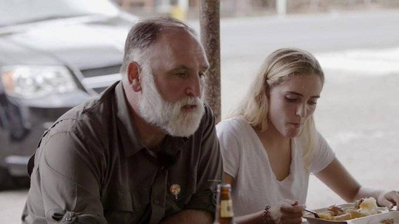 José Andrés, junto a una de sus hijas en 'Planeta Calleja'. (Cuatro)
