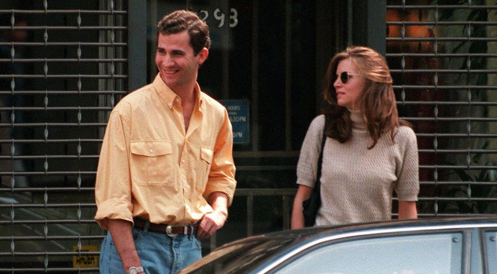 Foto: El rey Felipe y Gigi Howard en los años 90. (Gtres)