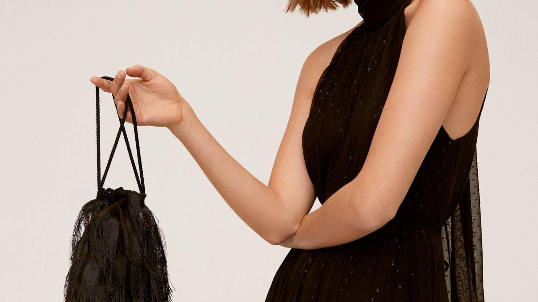 El bolso low cost de Mango Outlet para combinar con todos tus looks de invitada